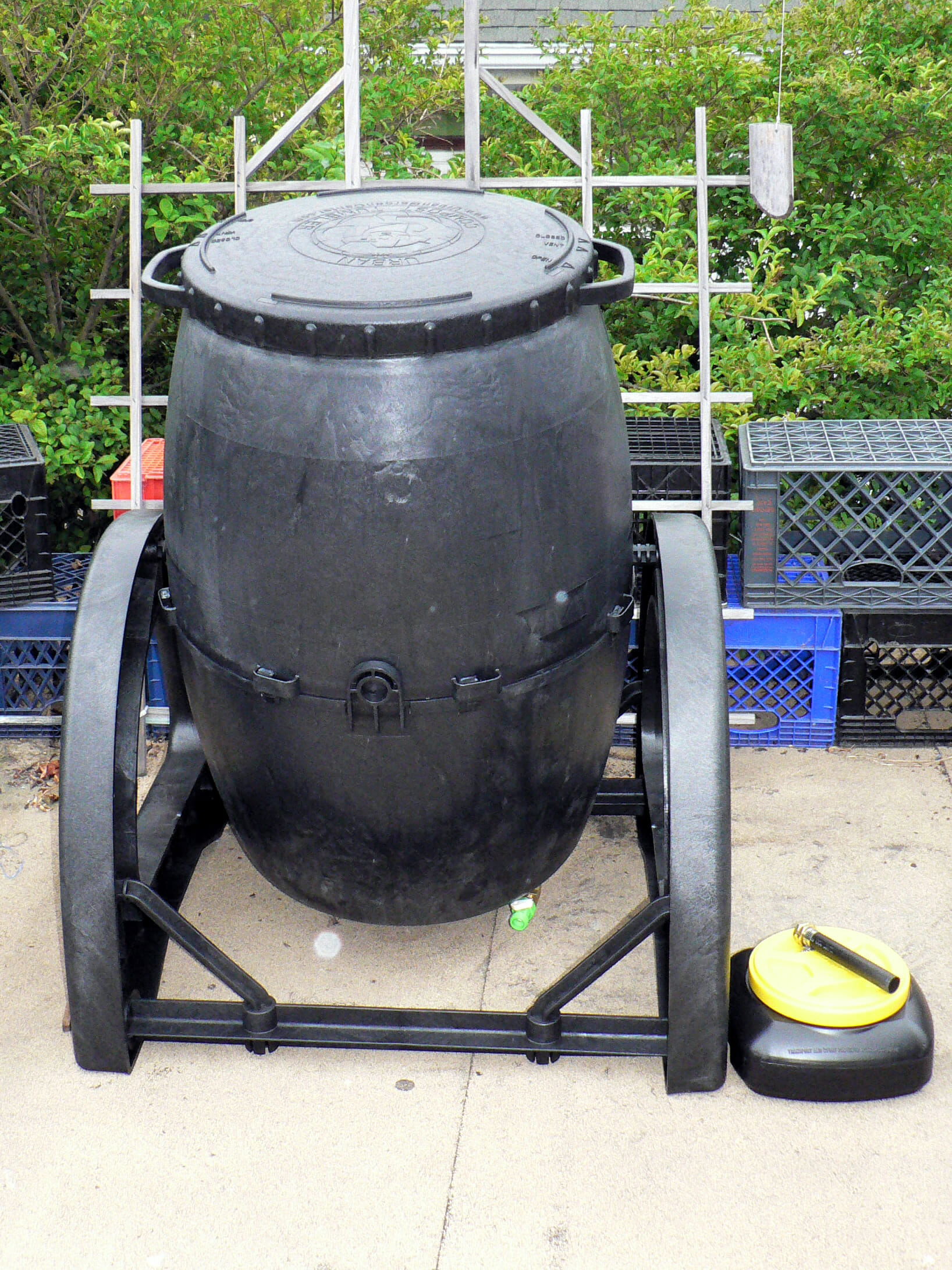 Compost Tumbler A Solution To The Potting Soil Problem