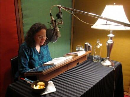 Beth-Fantasty-Studio-reading-Plasticfree-audiobook