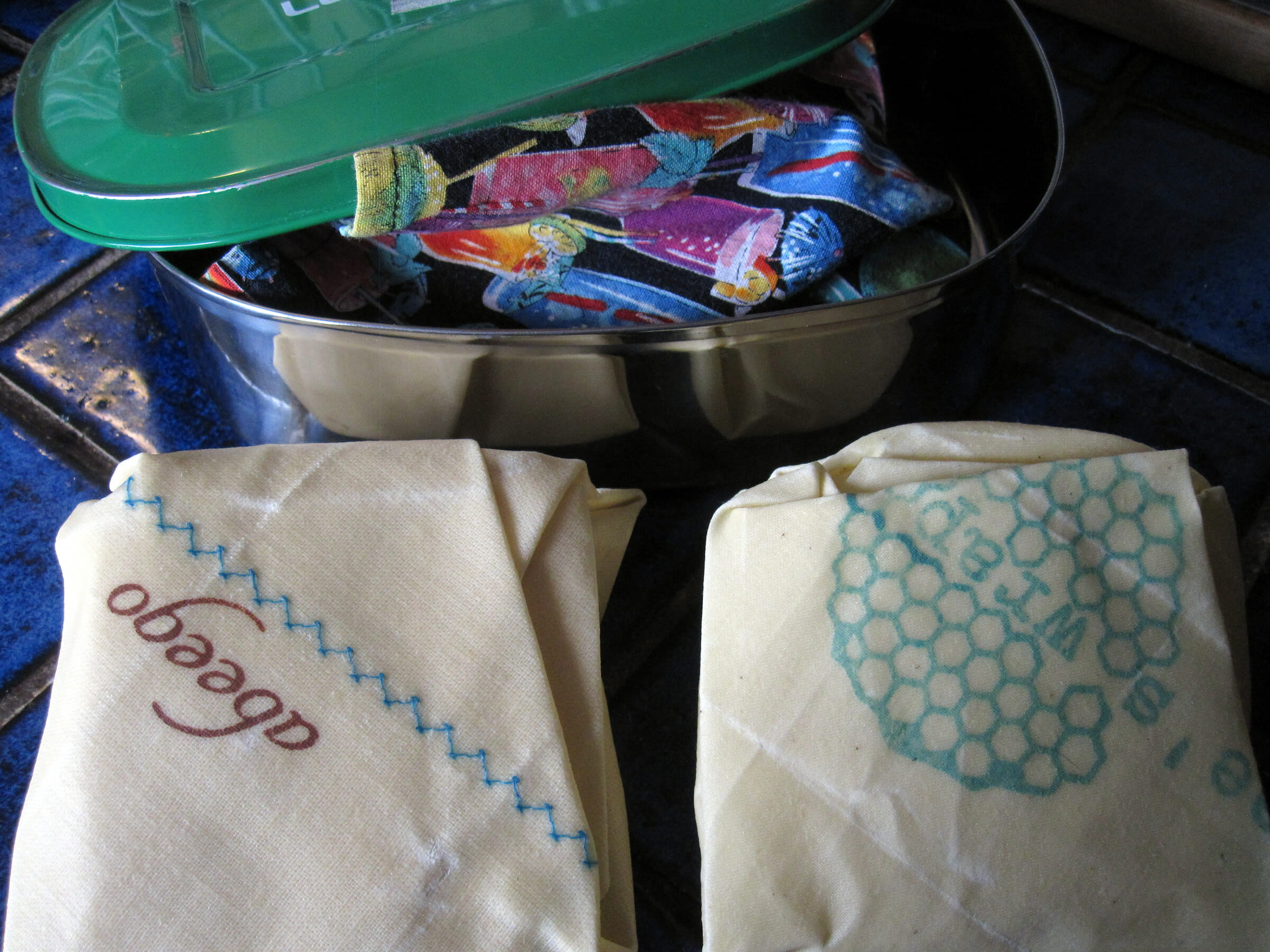 Can Beeswax Cloth Wraps Replace Plastic Cling Wrap? » My